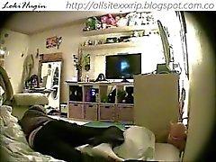 Adolescente cogido masturbándose en dormitorio (cámara oculta - peepholecam 111312)