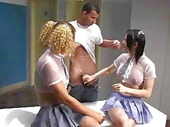 Videos tube Uniforme Populares