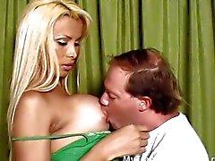 Popüler Yatakta Seks Klipler