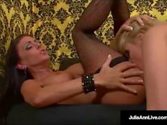 Mega MILF Julia Ann & Jessica Jaymes nuolemaan Wet Pussies!