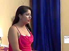 Hemmafrun Affären med Young Betjänande Bhabhi