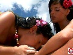 Lucy Belle Black Angelika Le Trio Parfait Sur La Plage HD