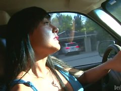MILF tetona Mahina Zaltana tiene relaciones sexuales anal con guy asia
