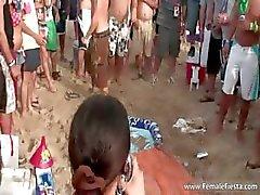 Harde partij tijd op het strand en babes