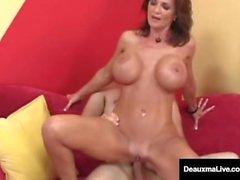Büyük Busted Cougar Deauxma Her Asshole A Big Dick alır!