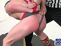 Alexander smiskar ifrån Doug cocky attityd , och att lämna honom röd