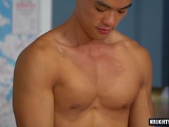 Asian Homosexuell rimjob und Cumshot
