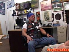 Прямо pawnhop байкер разорен владельца