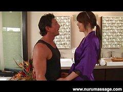 Tätowierte Chayse Evans Nuru Massage Fick