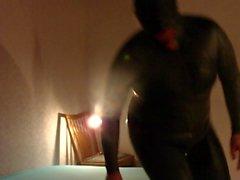 BDSM und Devo das macht Spass dans Gummi