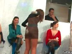Tesão grupo de garotas euro ficando