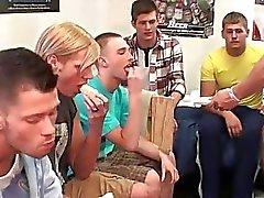Общедоступные Homo дедовщине за эти бедных мальчиками Str8