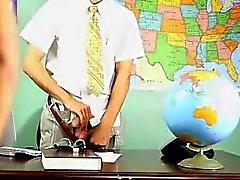 Hommes gais de Krys Perez jouent professeur super- cochonne qui ont est cu