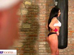 Fitness rum Spied på grekiska gym babe blir knullad