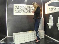 Mia Angel - Pegajoso Angelic