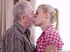 pareja sexo oral adolescente