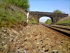 Naakt in het openbaar - Naakt voor de trein