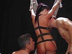 Jada Stevens obtiene jodida duro anal y doble penetración