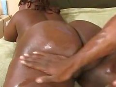 Molto grande mamma nero grasso con un grande figa pelosa nera bagnata