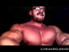 Beefy Bodybuilder Größenordnung