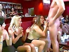 Meisjes gaan carzy voor slagroom