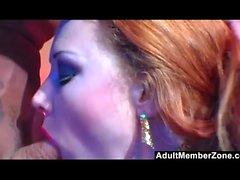 Biker Chick Audrey Hollander obtiene anal duro