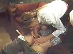 belle jeune fille soumise docile fessee puis baisee