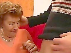 mammor först gangbang orgien
