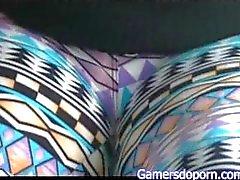Gamersdoporn Productions: Primera vez de Nikki en el Bus de los Jugadores Parte 1