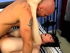 Arap çıplak gay seks Azgın genç genç Tyler Bolt ou olduğunu