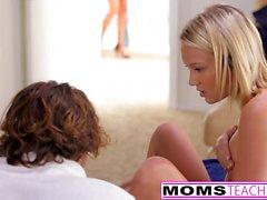 MILF Ariella Ferrera seduce Teens nel culo Cazzo