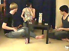 Dei gay le foto gratis caldo di sesso teen nude Trace e Guglielmo Ottenga toge