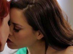 Elle Alexandra, Shyla Jennings, Hot Lesbo Action