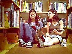 Mila Kunis & Zoe Saldana Na Sex compilatie