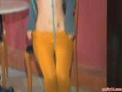 Эмилия 18 в оранжевые колготках