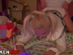 Hot MILF soumise dans une vidéo BDSM
