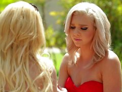 Blonde Lesbiennes Aaliyah Love And Tiffany Watson