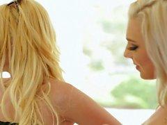 Lesbianas rubias Aaliyah Love Y Tiffany Watson