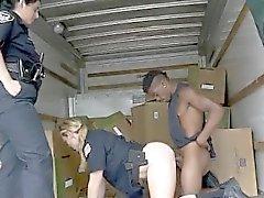 Dos uniformados White Hot Cops Succión Negro Dink Juntos
