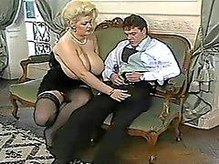 Gorgeous Gaynor Duitse Titten