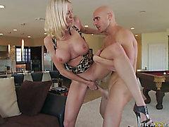 Zeit getragen cum-Loch der blonden Mutter Ich möchte ficken Emma Starr erwirbt gebohrt von jugendlichen Schwanz