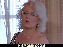 Geile lesbische mama wil haar pussy te eten