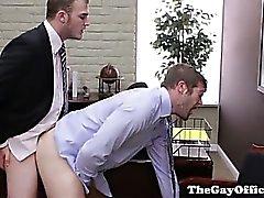 Gay офиса красавчик быть осел стучало