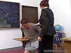 Cara espancada pelo professor