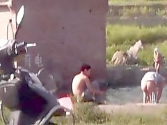Kiinalaisen Miesten uimisesta lake