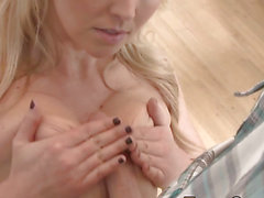 Breasty blond tit copulates
