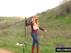 KELLY MADISON - Ulkoilma Masturbation istunnosta