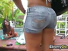 Two Las putas Black jugando un poco
