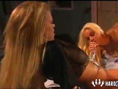 Jenna Jameson et le de Carmen Luvana enfilent