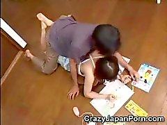 Japanska teen missbrukas !